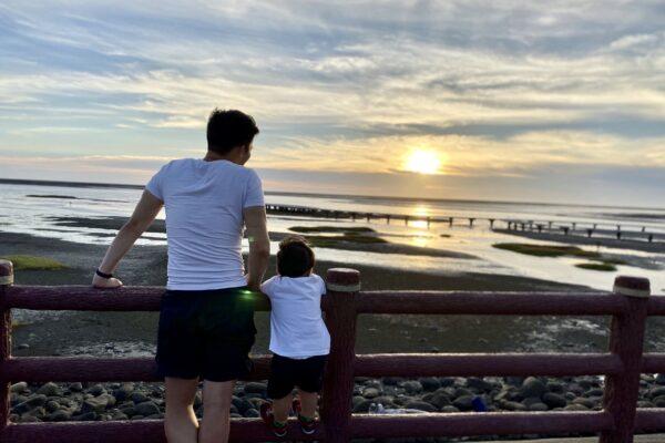 最新打卡點!香山濕地賞蟹步道,豐富生態彈塗魚、招潮蟹,浪漫夕陽不容錯過。