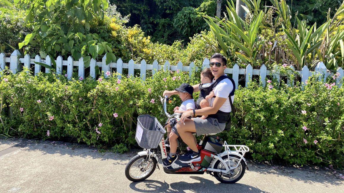美麗芒花季來囉!秋季最舒服的小旅行,跟孩子一起騎單車漫遊草嶺古道,望山看海賞火車。