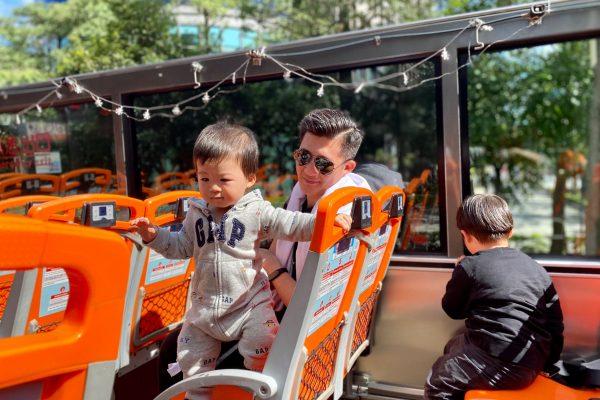 疫情期間最安全的大眾運輸,跟孩子一起搭露天開放雙層巴士!用4公尺高的全新角度看台北,愜意到彷彿身處歐洲。
