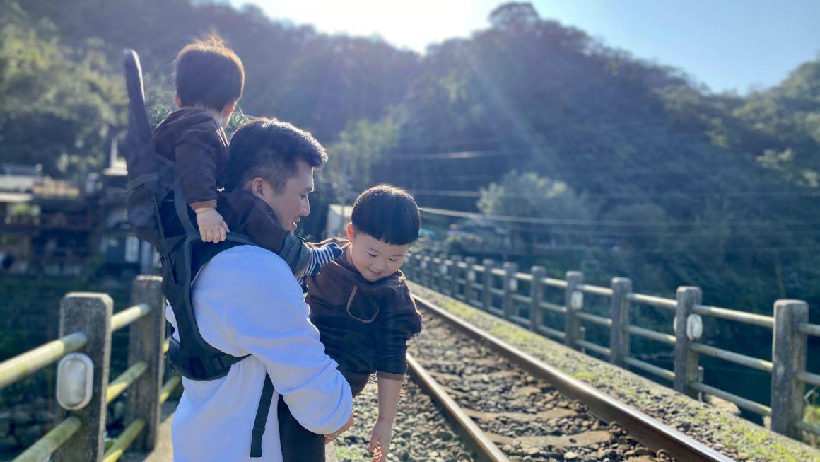 三貂嶺,結合火車、山林、河谷的迷人小鎮,軌道旁吃肉羹、廢墟喝咖啡,如日本鄉村般寧靜美好。